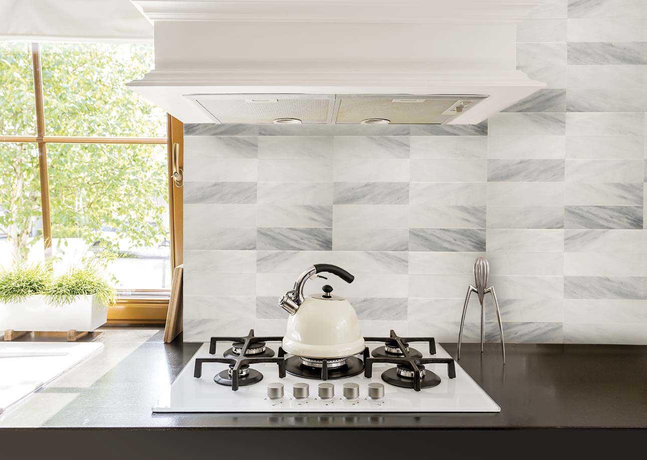 Realizzazioni in marmo pietra e travertino rielli - Marmo in cucina ...